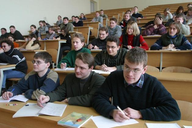 Средний проходной балл в лучшие университеты Российской Федерации составил около 80 ивыше