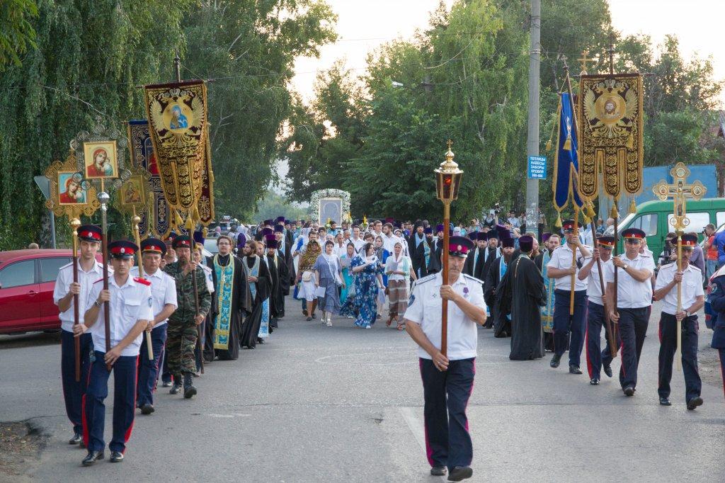 Сотни пензенцев пошли крестным ходом заиконой, избавившей город откочевников